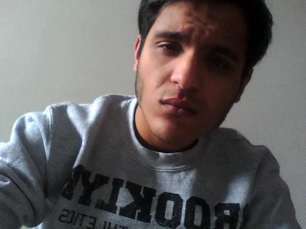 Flirt gay avec Amir75