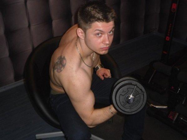 Porno gay avec RobbyShaw